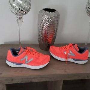 New Balance being orange sneakers NWOB  9.5
